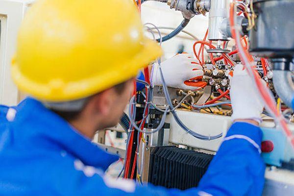 Eletricista, segurança do profissional vai além dos EPIs. – Seg Company 4b36e0db0c